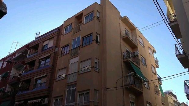 Piso en venta en Alicante/alacant, Alicante, Calle Elda, 68.000 €, 3 habitaciones, 1 baño, 80 m2