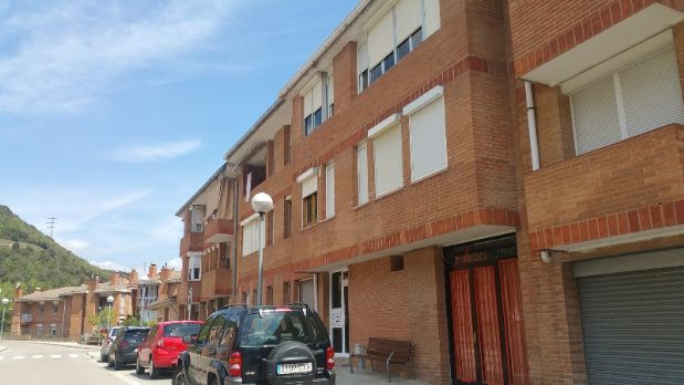 Piso en venta en Cercs, Barcelona, Calle Joan Carles I, 40.000 €, 3 habitaciones, 1 baño, 86,75 m2