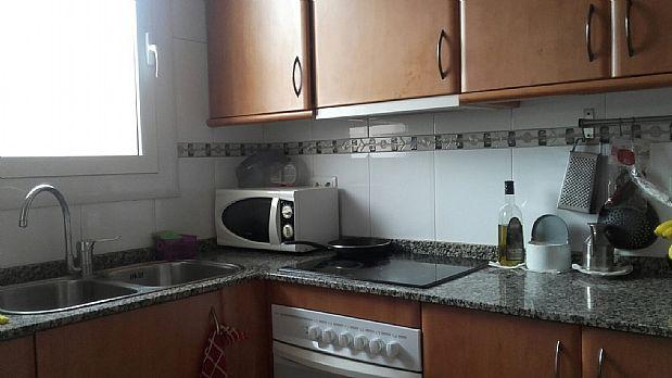 Piso en venta en Sant Vicenç de Castellet, Barcelona, Calle Soler I Puigdollers, 84.000 €, 3 habitaciones, 2 baños, 90 m2
