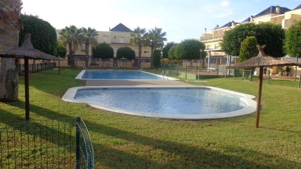 Casa en alquiler en Playa de San Juan-el Cabo, Alicante/alacant, Alicante, Calle Arquitecto Felix Candela, 1.150 €, 3 habitaciones, 3 baños, 325 m2
