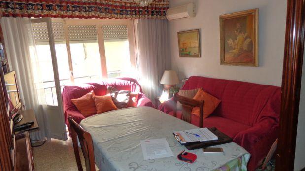 Piso en venta en Campoamor, Alicante/alacant, Alicante, Calle Alferez Diaz Sanchis, 96.000 €, 4 habitaciones, 2 baños, 120 m2