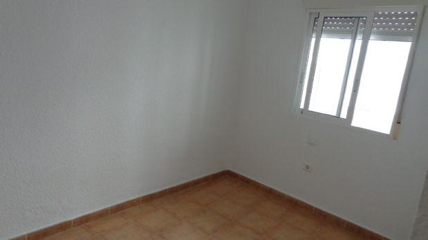 Piso en venta en Piso en Alicante/alacant, Alicante, 56.000 €, 2 habitaciones, 1 baño, 80 m2