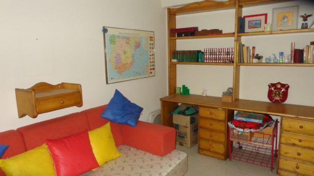 Piso en venta en Piso en Alicante/alacant, Alicante, 72.500 €, 4 habitaciones, 1 baño, 116 m2