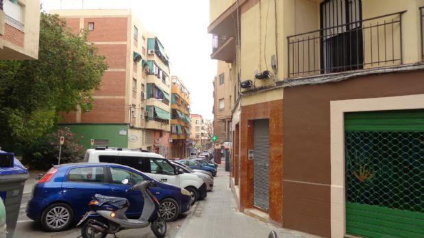 Piso en venta en Campoamor-carolinas-altozano, Alicante/alacant, Alicante, Calle Francisco Carratalá Cernuda, 72.500 €, 4 habitaciones, 1 baño, 116 m2