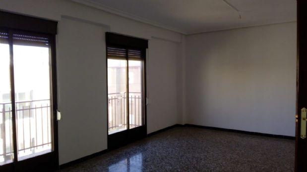 Piso en venta en Elche/elx, Alicante, Calle Felipe Moya, 62.000 €, 3 habitaciones, 1 baño, 95 m2