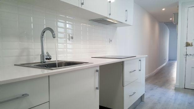Piso en venta en El Gòtic, Barcelona, Barcelona, Calle Escudellers, 376.500 €, 2 habitaciones, 1 baño, 103 m2