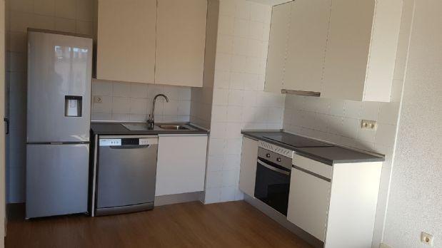 Piso en venta en Torrejón de Ardoz, Madrid, Carmen Laforet, 135.000 €, 2 habitaciones, 1 baño, 70 m2