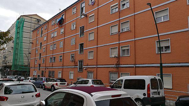 Piso en venta en La Inmobiliaria, Torrelavega, Cantabria, Calle Casimiro Saiz, 42.000 €, 2 habitaciones, 1 baño, 59 m2