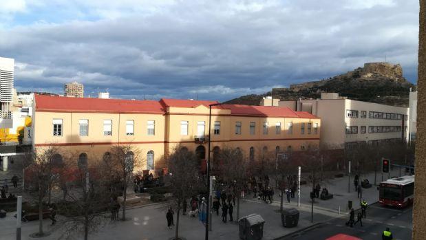 Piso en venta en Campoamor, Alicante/alacant, Alicante, Calle Capitán Rueda, 87.000 €, 2 habitaciones, 2 baños, 90 m2