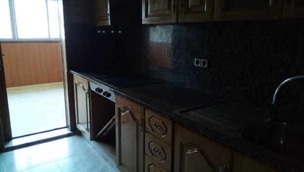 Piso en venta en Berga, Barcelona, Calle Pere Ii Berga, 67.200 €, 3 habitaciones, 1 baño, 60 m2