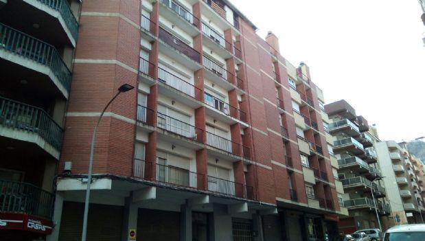 Piso en venta en Cal Rota, Berga, Barcelona, Calle Compone Oliba, 65.000 €, 3 habitaciones, 1 baño, 88 m2