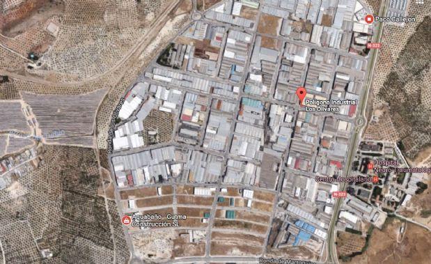 Industrial en venta en Jaén, Jaén, Calle Pol Industrial Ronda de los Olivares, 180.000 €, 525 m2