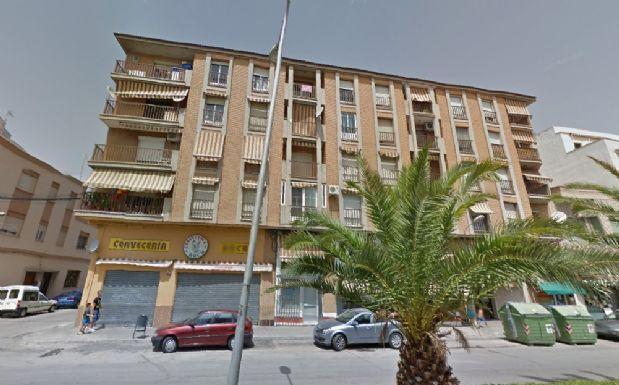 Piso en venta en Tomelloso, Ciudad Real, Calle Socuellamos, 52.000 €, 3 habitaciones, 2 baños, 90 m2