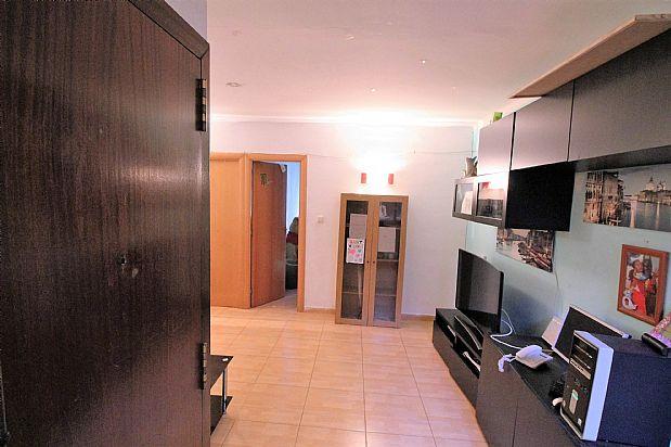 Piso en venta en Badalona, Barcelona, Calle Olivera de Sistrells, 73.000 €, 3 habitaciones, 78 m2