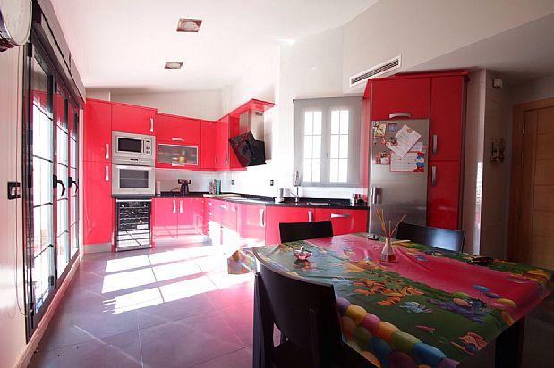 Piso en alquiler en Tomelloso, Ciudad Real, Calle Socuellamos, 600 €, 3 habitaciones, 1 baño, 190 m2