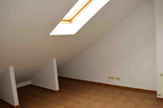 Casa en venta en Loeches, Madrid, Avenida Argentina, 235.000 €, 4 habitaciones, 4 baños, 190 m2