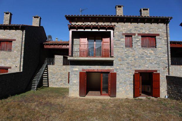 Casa en venta en Montellà I Martinet, Lleida, Calle de la Font, 618.000 €, 4 habitaciones, 2 baños, 230 m2