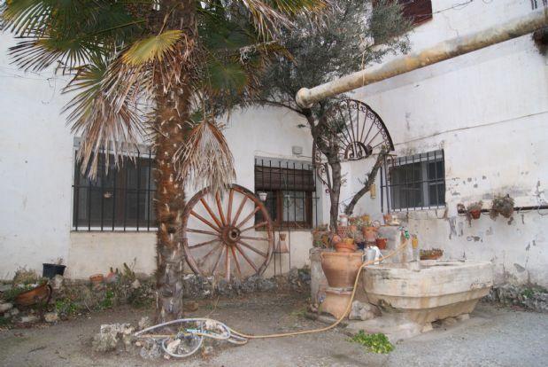 Casa en venta en Romanones, Guadalajara, Calle Mayor, 120.000 €, 6 habitaciones, 2 baños, 900 m2