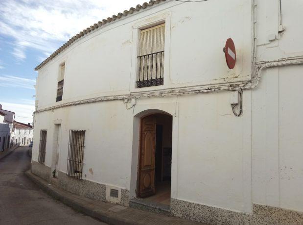 Casa en venta en Medina de la Torres, Badajoz, Calle Guadalupe, 186.000 €, 78 m2