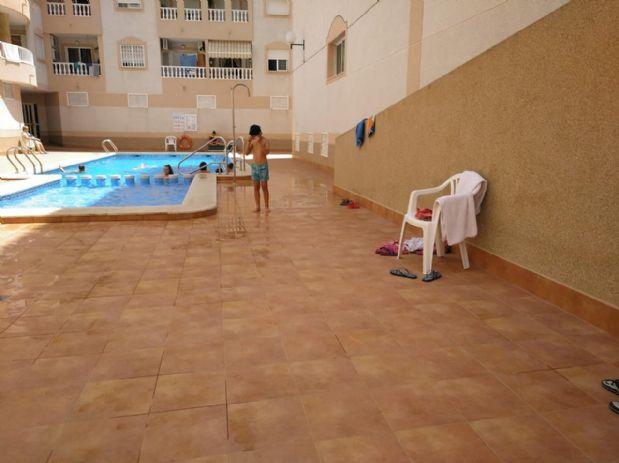 Piso en venta en Torrevieja, Alicante, Calle Torresal, 47.000 €, 1 habitación, 1 baño, 60 m2