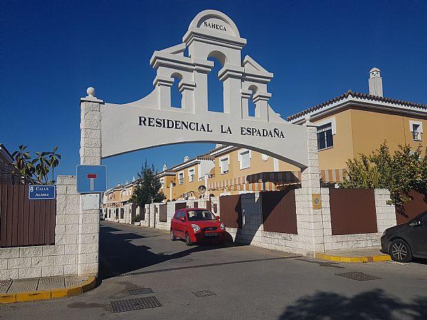 Casa en venta en Sanlúcar de Barrameda, Cádiz, Calle Almez, 135.000 €, 4 habitaciones, 1 baño, 92 m2