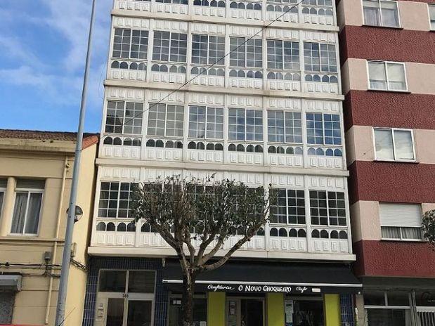 Piso en venta en Narón, A Coruña, Calle Estrada Castela, 71.400 €, 3 habitaciones, 1 baño, 123 m2