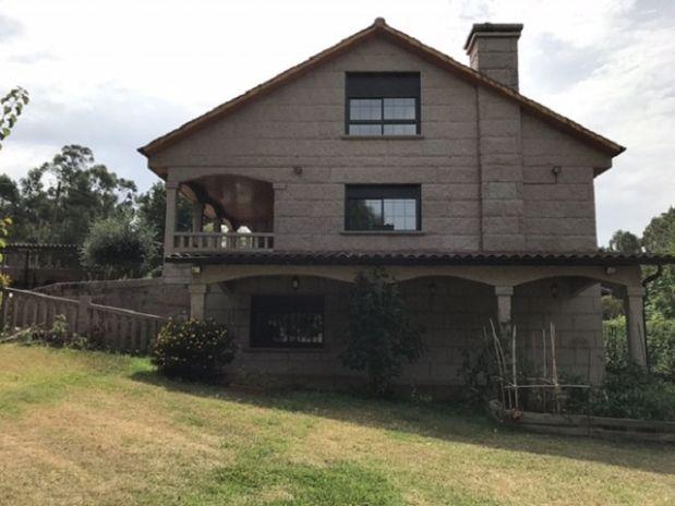 Casa en venta en Nigrán, Pontevedra, Lugar Rozadas-chandebrito, 322.000 €, 5 habitaciones, 1 baño, 463 m2