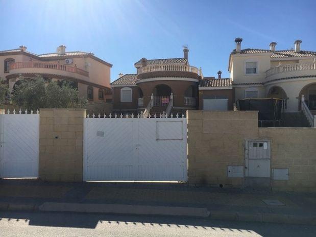 Casa en venta en Monforte del Cid, Alicante, Calle Jorge Manrique, 168.000 €, 3 habitaciones, 1 baño, 119 m2