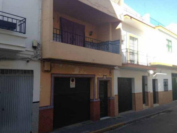 Casa en venta en Sevilla, Sevilla, Calle Umbrete, 126.790 €, 3 habitaciones, 1 baño, 110 m2