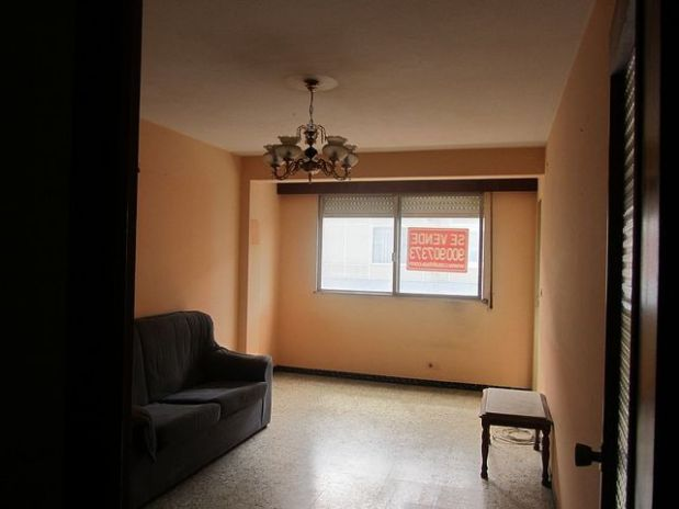 Piso en venta en Piso en Oleiros, A Coruña, 98.130 €, 3 habitaciones, 1 baño, 103 m2