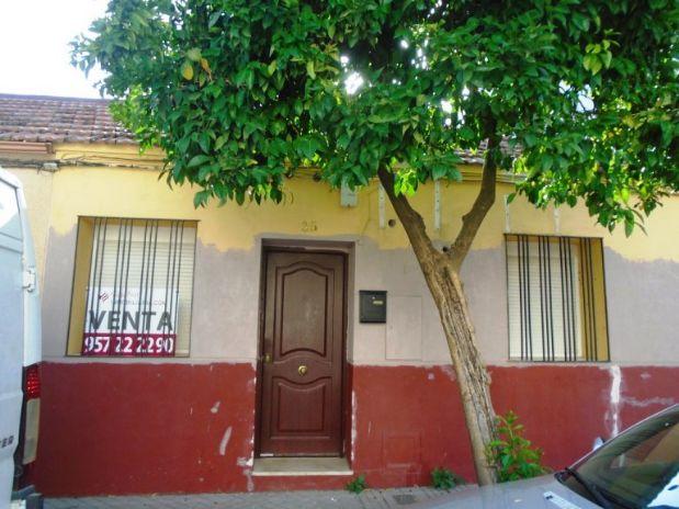 Casa en venta en Córdoba, Córdoba, Calle Pola Angentaria, 87.900 €, 2 habitaciones, 1 baño, 71,75 m2