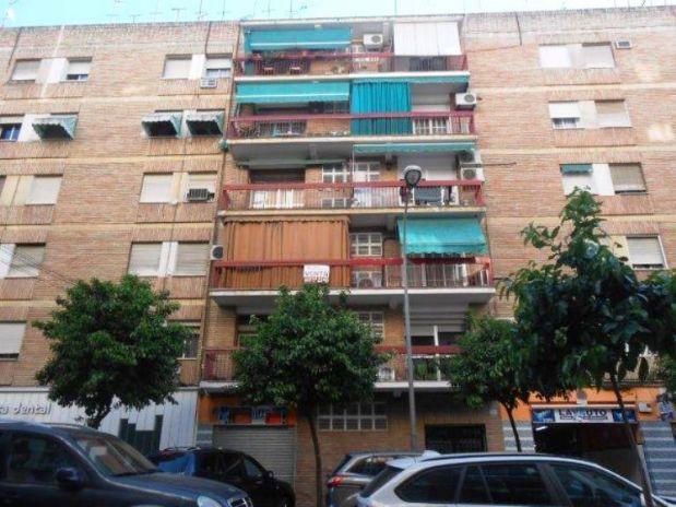 Piso en venta en Córdoba, Córdoba, Calle Alcalde Velasco Navarro, 155.000 €, 4 habitaciones, 129,74 m2