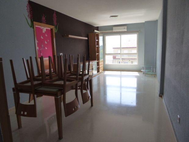 Piso en venta en La Nucia, Alicante, Avenida Carretera, 126.000 €, 3 habitaciones, 95,75 m2