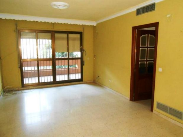 Piso en venta en Córdoba, Córdoba, Avenida de la Ollerias, 172.000 €, 4 habitaciones, 2 baños, 138,12 m2