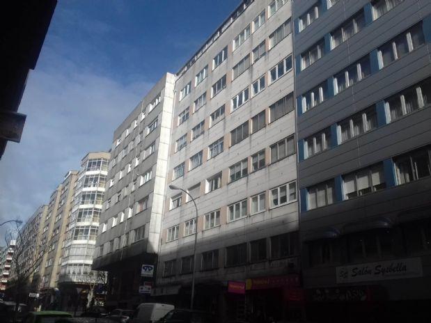 Piso en venta en Santiago de Compostela, A Coruña, Calle Santiago de Chile, 98.000 €, 2 habitaciones, 1 baño, 65 m2