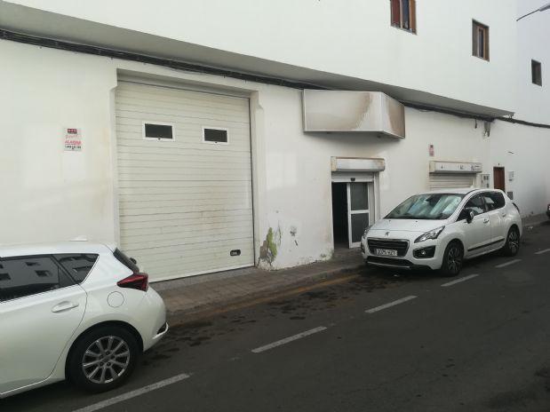 Local en venta en Santa Lucía de Tirajana, Las Palmas, Calle Chano Venero, 53.000 €, 141 m2