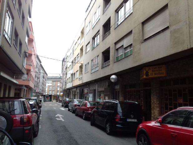 Piso en venta en Arteixo, A Coruña, Calle Medico Amenedo Casavella, 42.500 €, 3 habitaciones, 2 baños, 96 m2