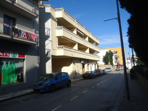 Piso en venta en Llançà, Llançà, Girona, Calle Gardisso, 148.900 €, 3 habitaciones, 1 baño, 78 m2