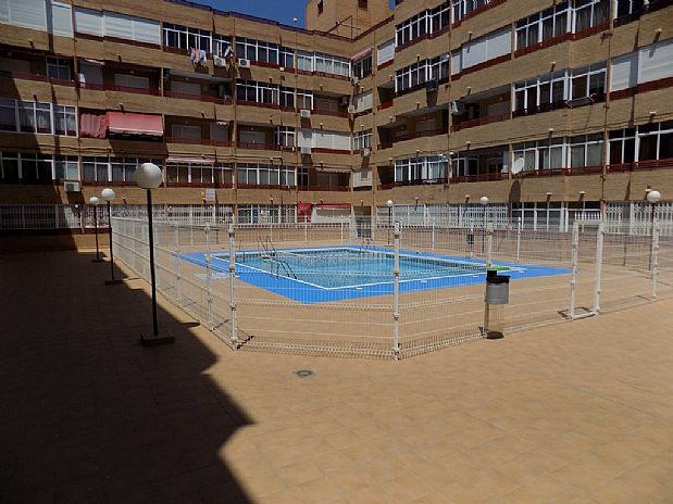 Piso en venta en Torrevieja, Alicante, Calle Joaquin Chapaprieta, 39.000 €, 2 habitaciones, 1 baño, 62 m2
