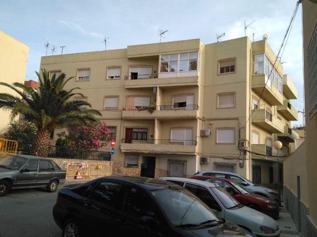 Piso en venta en Macael, Almería, Plaza Esplugues del Llobregat, 32.500 €, 2 habitaciones, 2 baños, 117,51 m2