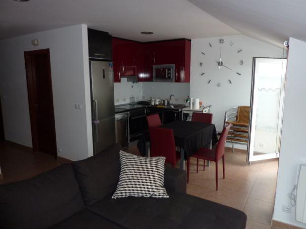Piso en venta en Fisterra, A Coruña, Avenida Escaselas, 60.000 €, 2 habitaciones, 1 baño, 60 m2