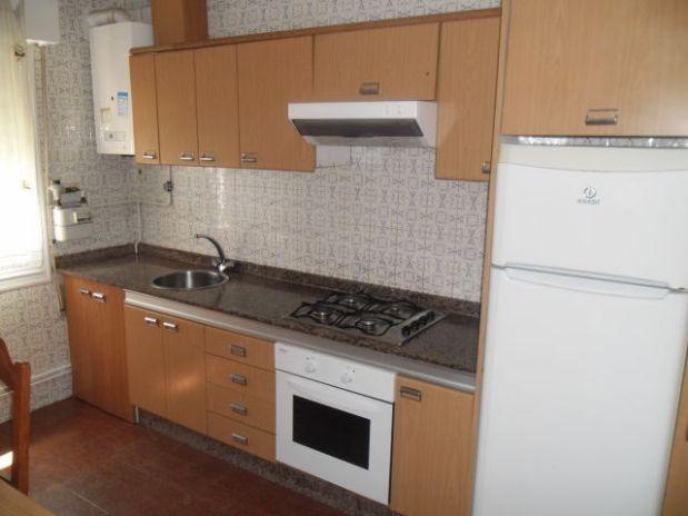 Piso en alquiler en A Coruña, A Coruña, Calle Almirante Mourelle, 370 €, 2 habitaciones, 1 baño, 72 m2