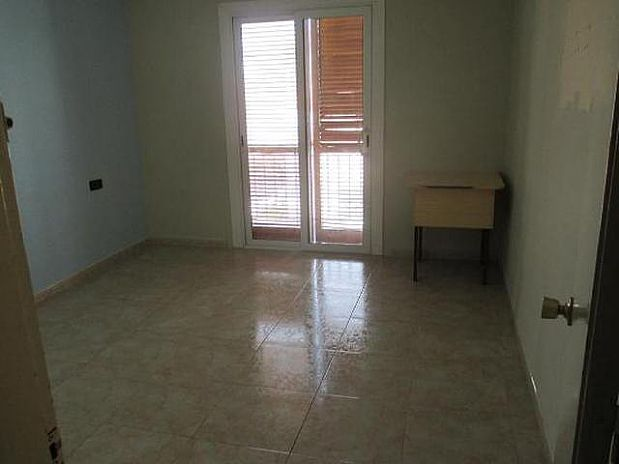 Piso en venta en Igualada, Barcelona, Pasaje Tossa, 105.000 €, 4 habitaciones, 85 m2