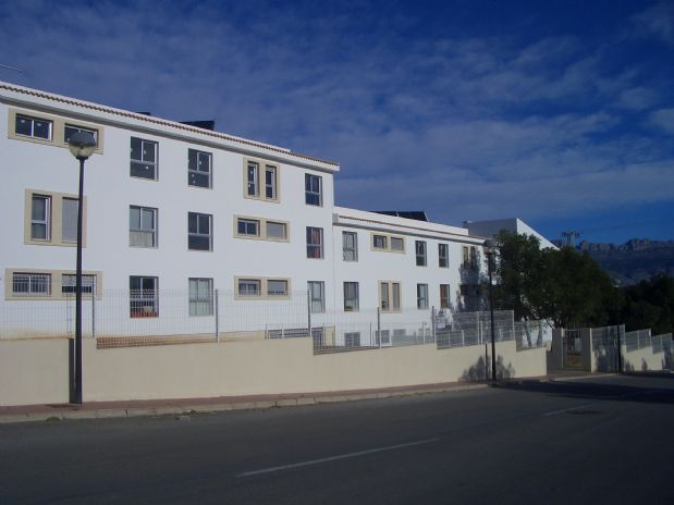Piso en venta en L` Alfàs del Pi, Alicante, Calle Xirivella, 84.000 €, 2 habitaciones, 1 baño, 104 m2