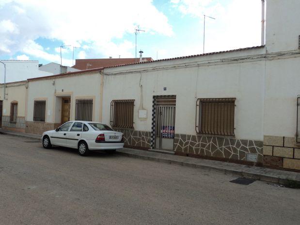 Suelo en venta en Tomelloso, Ciudad Real, Calle Cataluña, 85.000 €, 195 m2