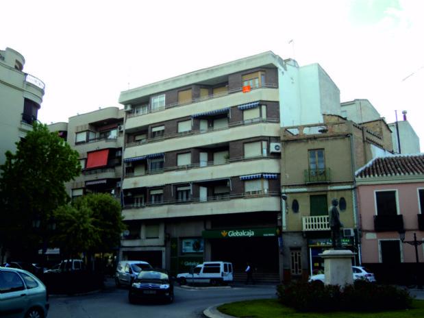 Piso en venta en Tomelloso, Ciudad Real, Calle Francisco García Pavón, 85.000 €, 3 habitaciones, 2 baños, 100 m2