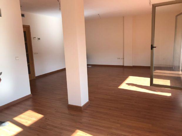 Piso en venta en Tomelloso, Ciudad Real, Calle la Palma, 205.000 €, 4 habitaciones, 3 baños, 180 m2