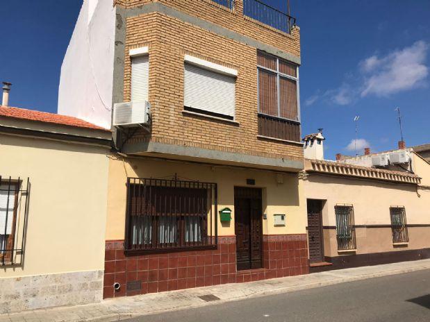 Casa en venta en Tomelloso, Ciudad Real, Calle Santa Quiteria, 75.000 €, 3 habitaciones, 2 baños, 150 m2