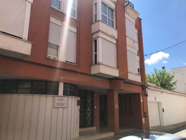 Piso en venta en Tomelloso, Ciudad Real, Calle Cervantes, 51.000 €, 3 habitaciones, 2 baños, 86 m2