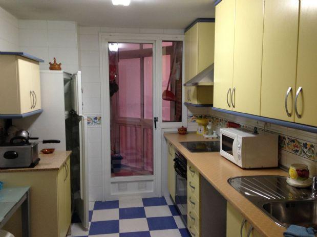 Piso en venta en Piso en Tomelloso, Ciudad Real, 70.000 €, 4 habitaciones, 1 baño, 90 m2